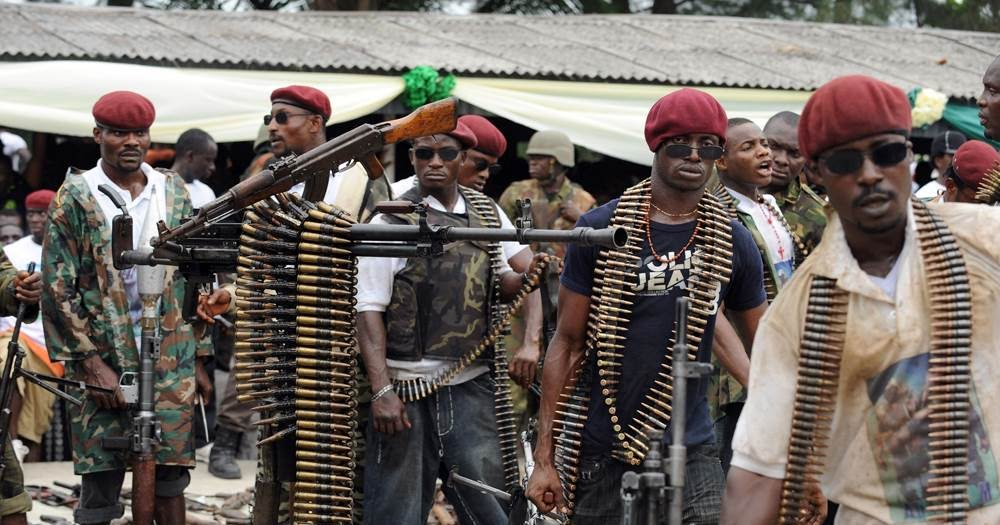 Community leaders in Nigeria's oil-rich south on Monday urged militants not to resume attacks on pipelines but give peace talks with the government another chance.