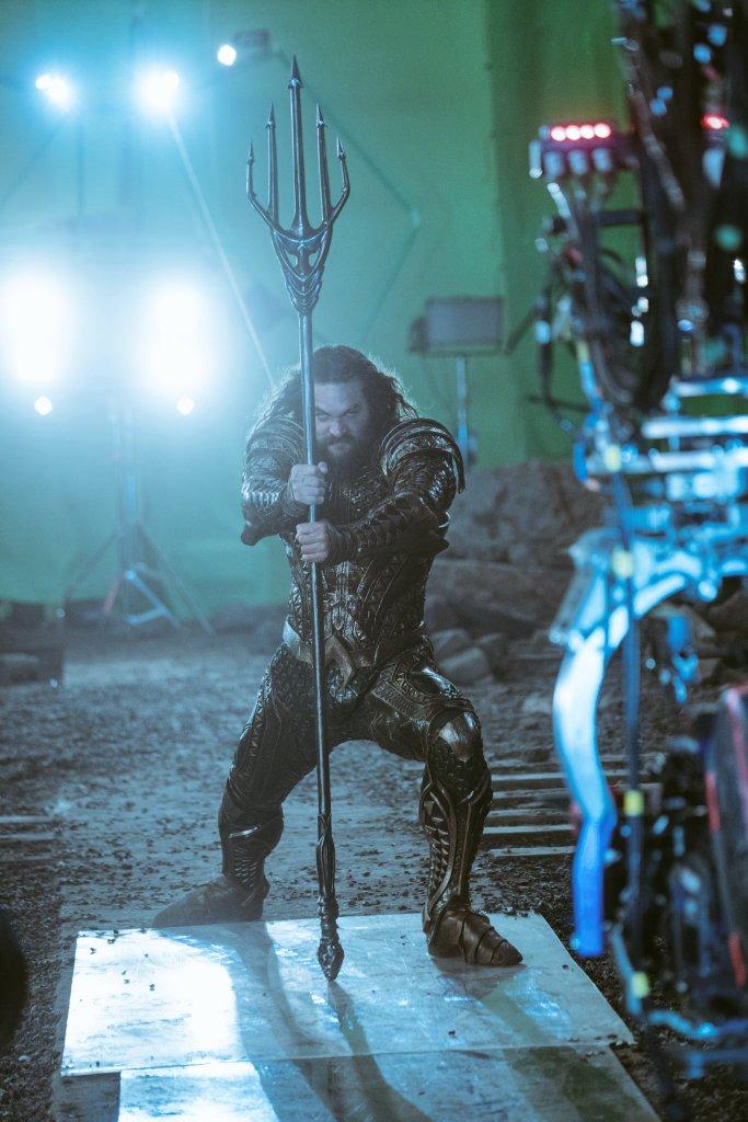 Justice League part 1 de Zack Snyder ( 2017) Finalement ça va se faire ! (avec Josh Whedon aussi!) - Page 5 DNuZYu7VQAAB2HQ?format=jpg