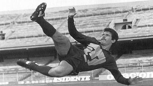 jugador mexicano con mas goles