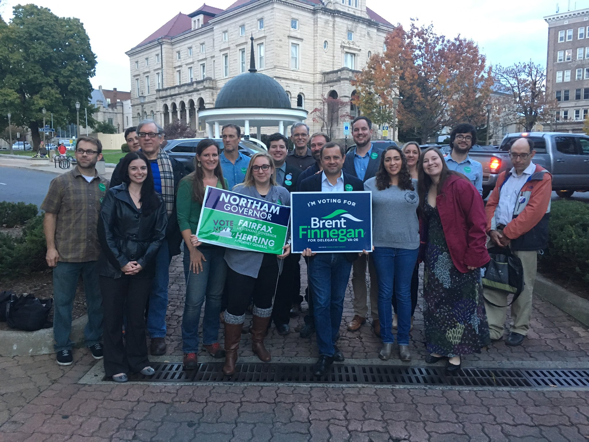 Loved First Fridays in H-burg with future Delegate @BFinnegan and his supervolunteers! #BlueValley https://t.co/2wjtOZm8LF