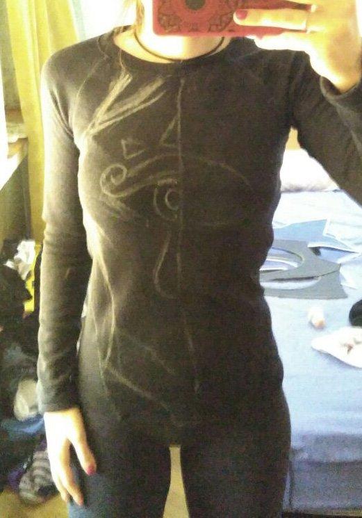 83172783c Usé como base camiseta térmica + leggings de Decathlon. Por encima decidí  que utilizar polipiel + EVA era lo mejor para hacer la