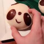 パンダマン可愛い!!!!(๑˃̵ᴗ˂̵)割ってから食べるタイプなのだけれど、か...可愛いね.. p…