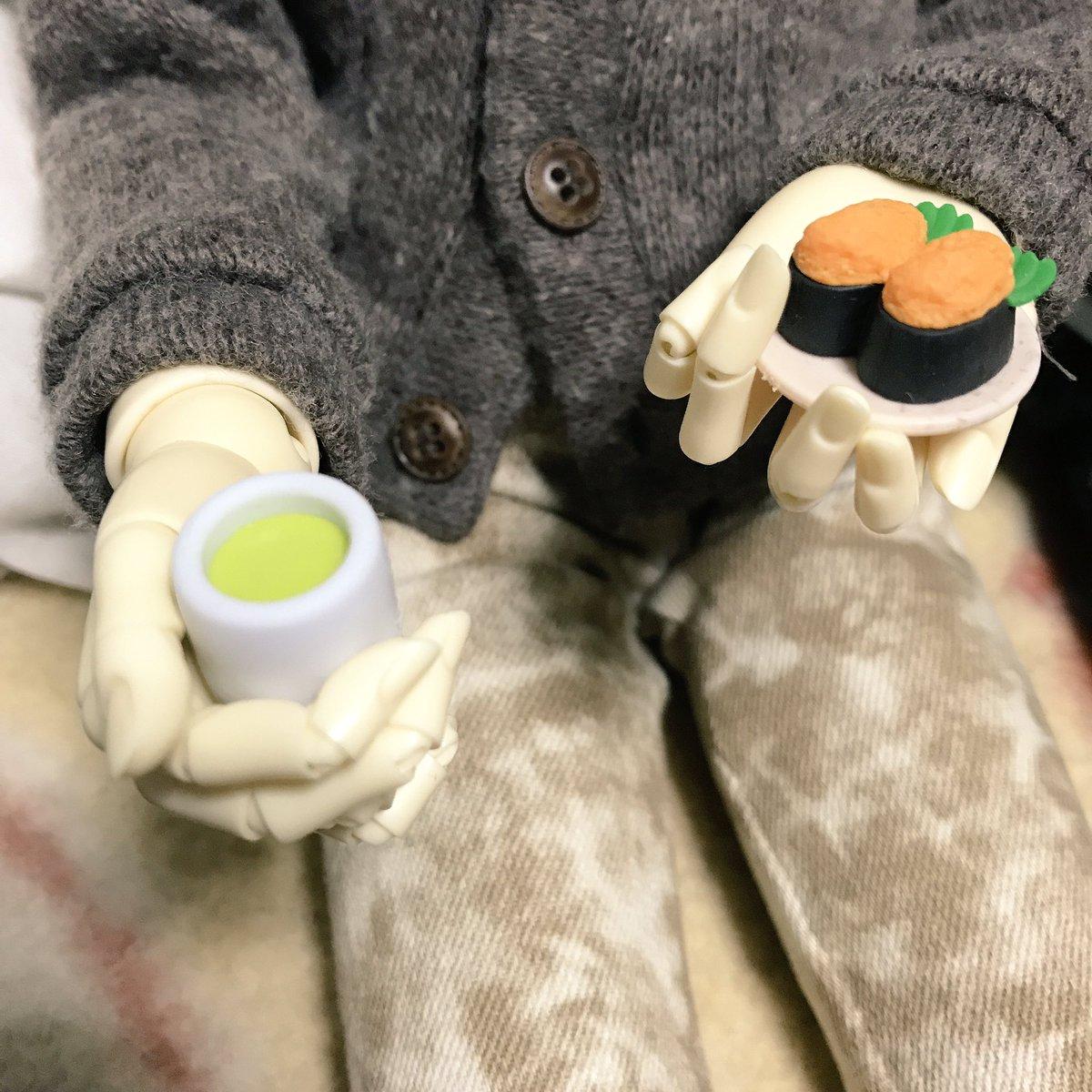 test ツイッターメディア - 小さな湯呑は無くはないから良いとして。寿司が小さ過ぎた… 1/4っ子用かな #ダイソー #おもしろけしごむ https://t.co/MvIfbXBWDy