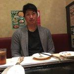 こんな顔見ても全然面白くないし、ただのおじさんやん。#新垣勇人 pic.twitter.com/7M…