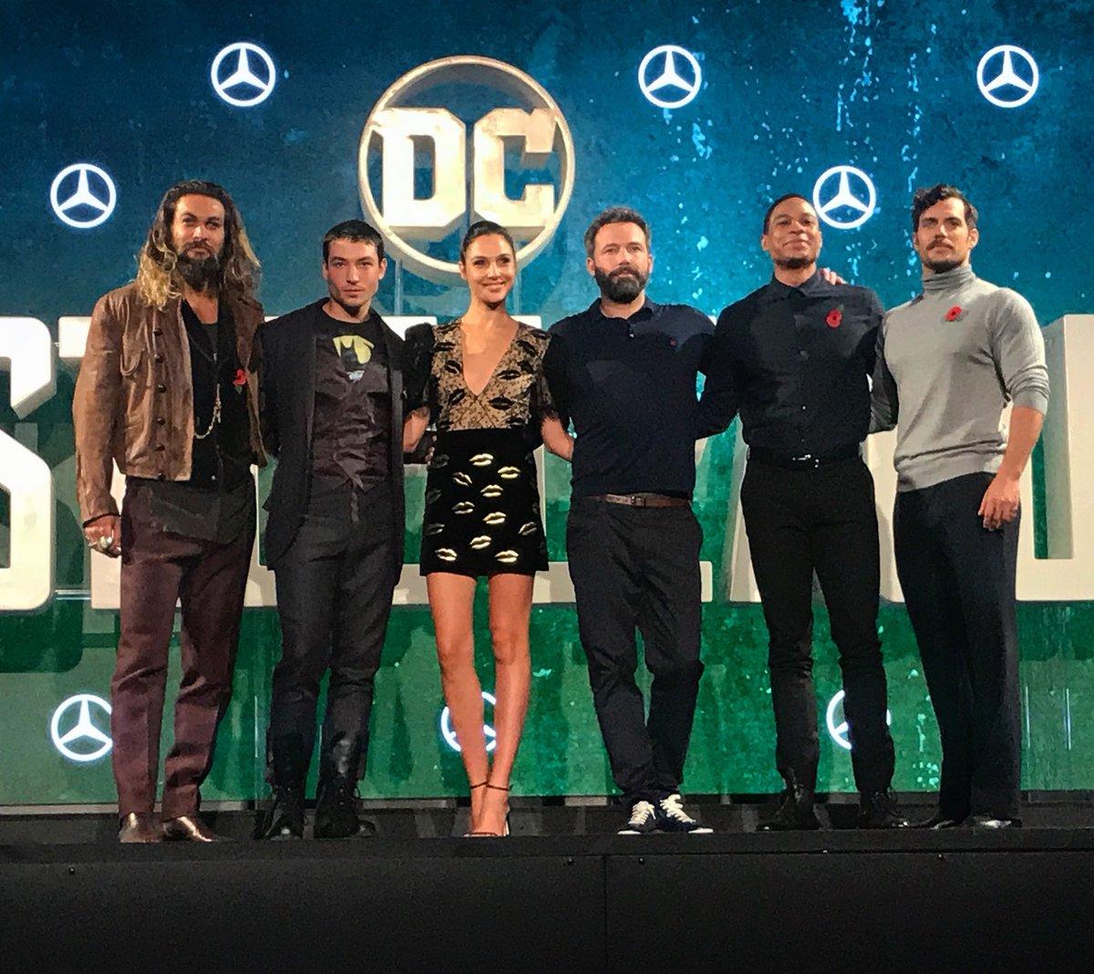 Justice League part 1 de Zack Snyder ( 2017) Finalement ça va se faire ! (avec Josh Whedon aussi!) - Page 6 DNygjUcUQAA4mwx