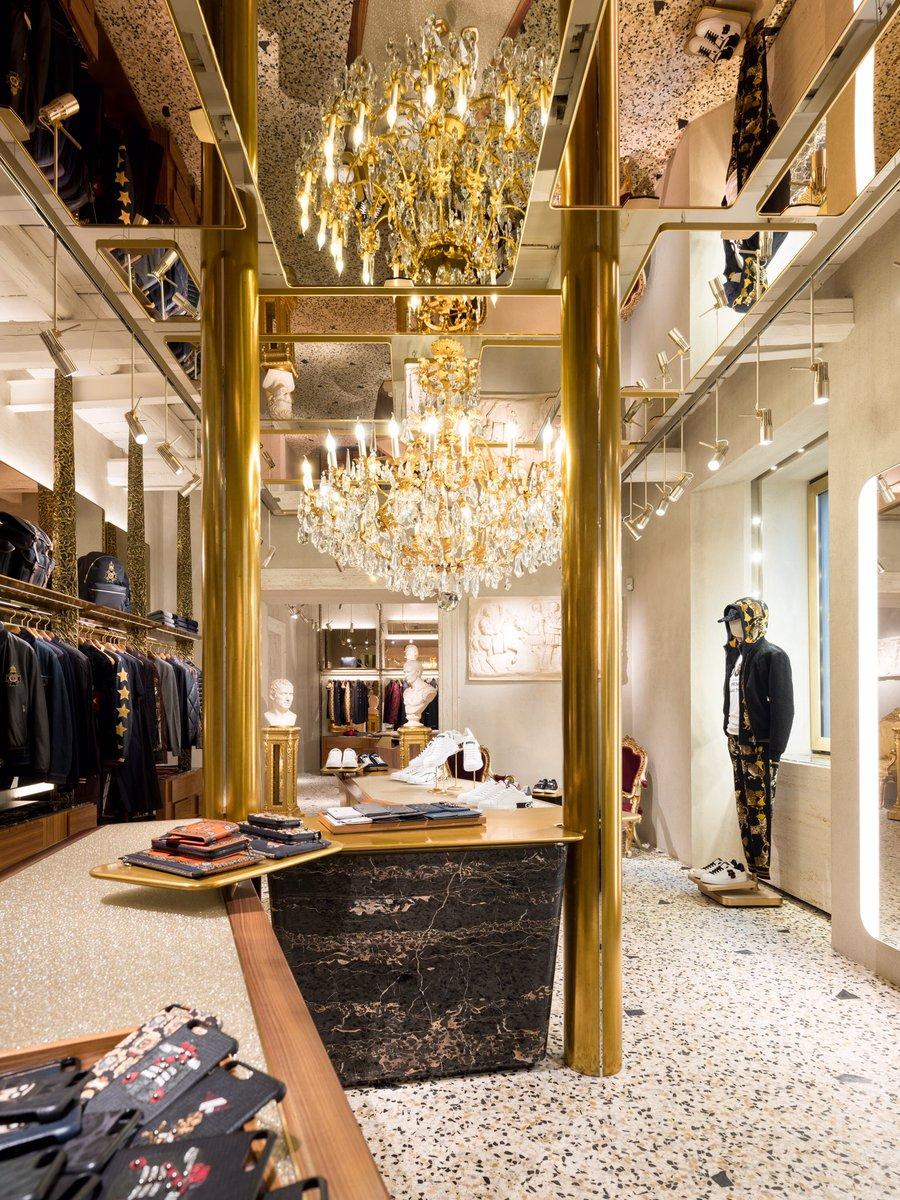 The new boutique in rome 39 s via condotti designed by steven for Boutique rome