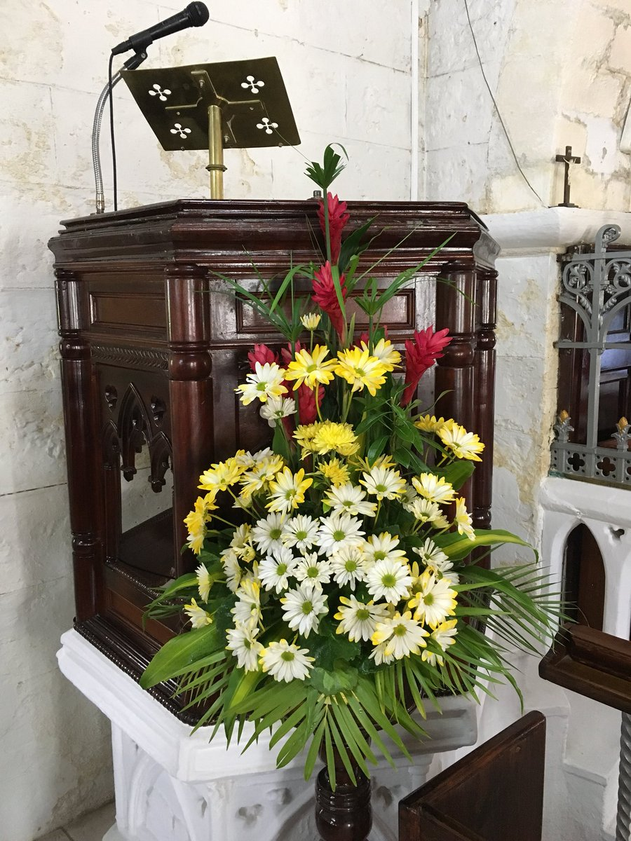 St David S Church On Twitter Flowers By The Pulpit St Davidbb