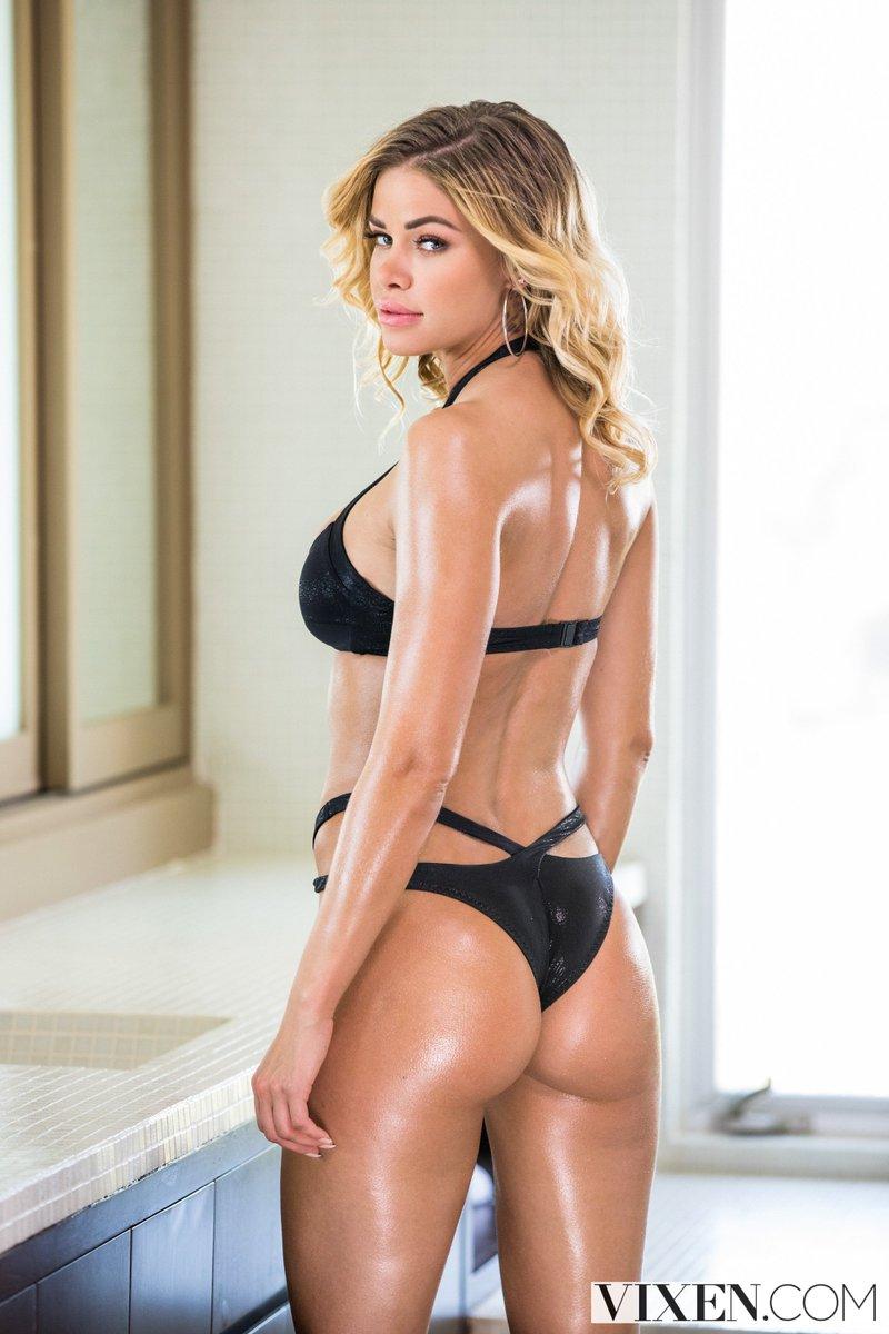 Jessa Rhodes Nude Photos