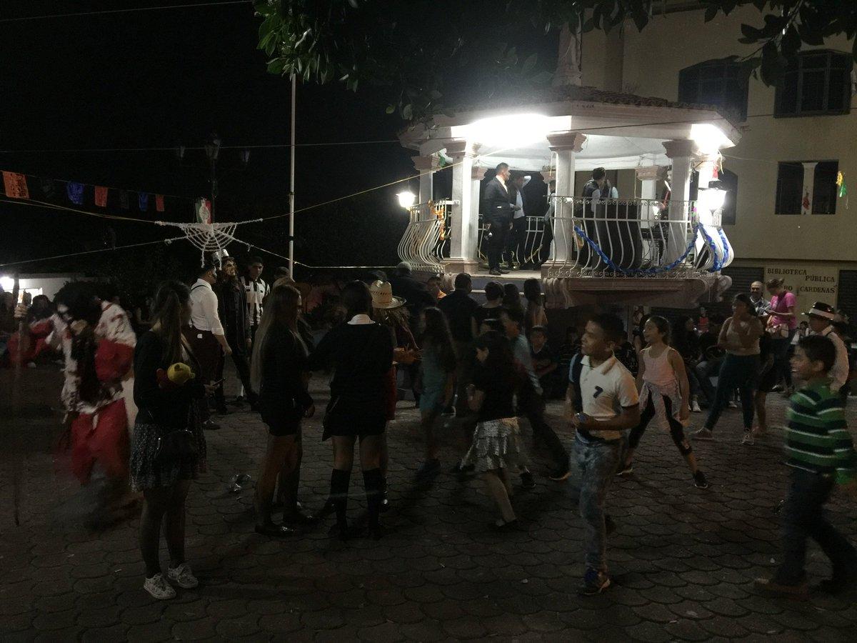 RT @juanarizag22: Disfrutando kermés con Acción Juvenil en La Cañada de Ramírez Mich     PAN NUMARAN https://t.co/DN3iXhTiGl