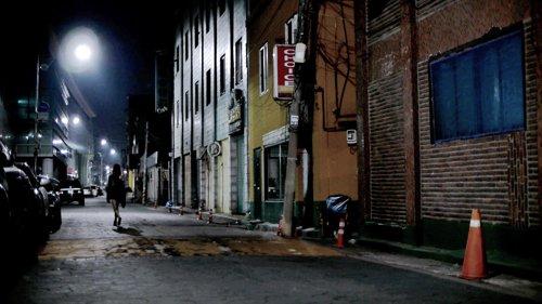 '윤금이 살인사건'을 '가상현실'로 표현한 다큐  단편영화 '동두천'이 테살로니카국제영화제에서 '최우수 VR상'을 수상했다.  https://t.co/S1hOa0kMUw