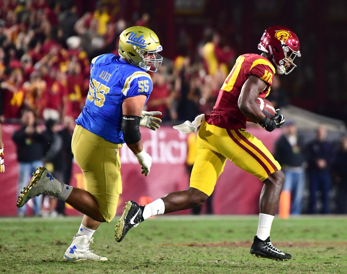 PHOTOS: USC 28, UCLA 23 https://t.co/89O98Bns24
