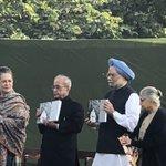 RT @rssurjewala: Dr. Manmohan Singh unveils a spec...