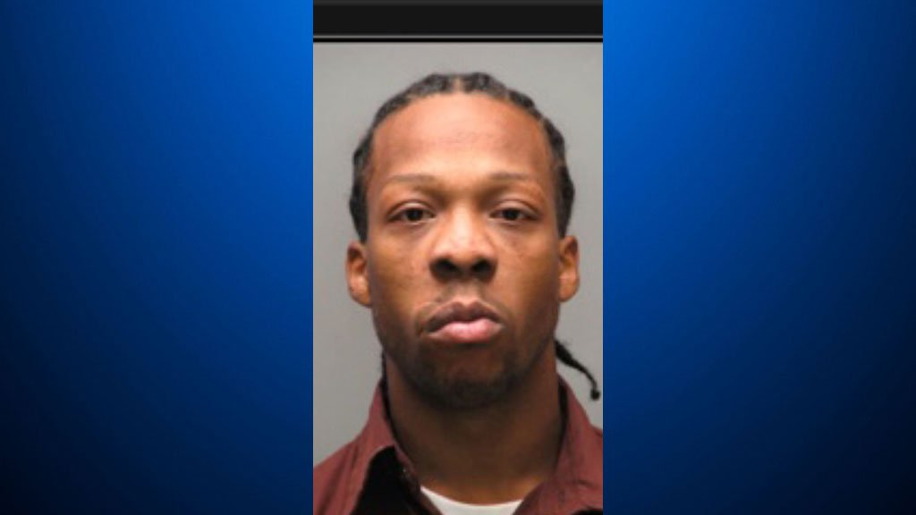 #BREAKING: Police say 29-year-old Rahmael Sal Holt is the suspect in the fatal shooting of New Kensington Police Officer Brian Shaw: https://t.co/m5Uk7aLc8I