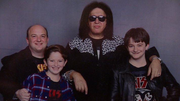 Teen rocks out with KISS front man Gene Simmons https://t.co/ymBzS207So
