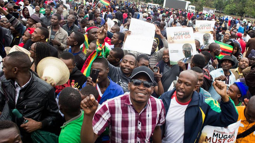 Update: Zimbabwe ruling party's Youth Wing calls on President Mugabe and First Lady to quit, says sacked VP should be reinstatehttps://t.co/9aRGTrkt5vd