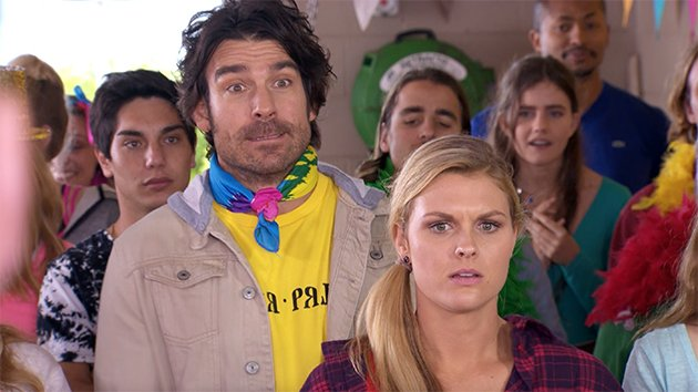 This was too hilarious   WATCH:  https:// au.tv.yahoo.com/plus7/home-and -away/-/watch/37849346/home-and-away-moment-glow-day-bidding/ &nbsp; …  #HomeAndAway <br>http://pic.twitter.com/NRs4cRsSf3