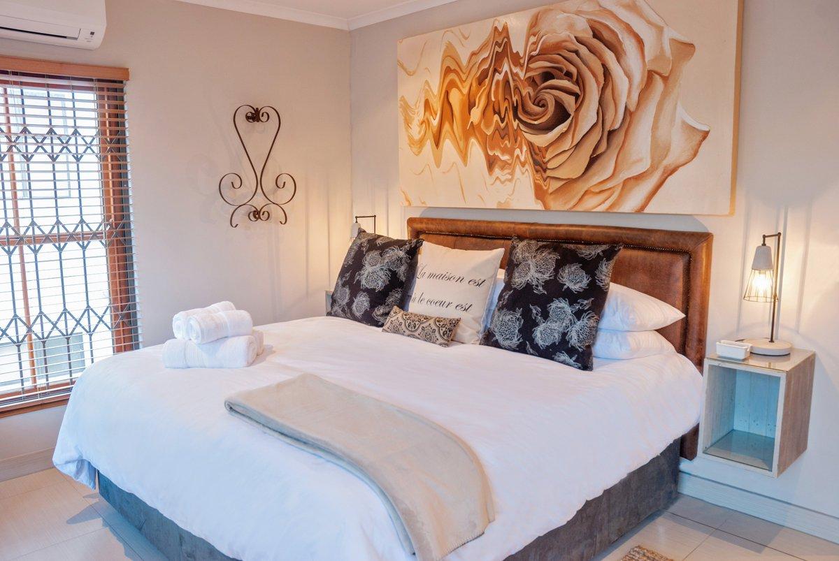 Two Bedroom   Sleeps 4 Guests 28 Piet Retief St   Central Stellenbosch  Mareba No 9 Contact Us @ Http://www.avemore.co.za Pic.twitter.com/D9SBP7vBnK