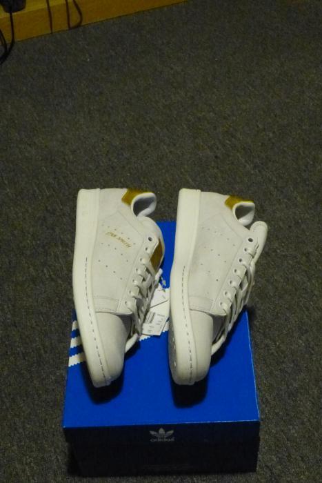 adidas Originals Stan Smith 999 24K Gold 21 Karat Pack Neu  https://www. bilderbob.de/auktion/kleidu ng-accessoires-adidas-originals-stan-smith-999-24k-gold-21-karat-pack-neu/151033494876833.html &nbsp; …  #ebay #kleider #schick #accessoires<br>http://pic.twitter.com/72EmKle2LV