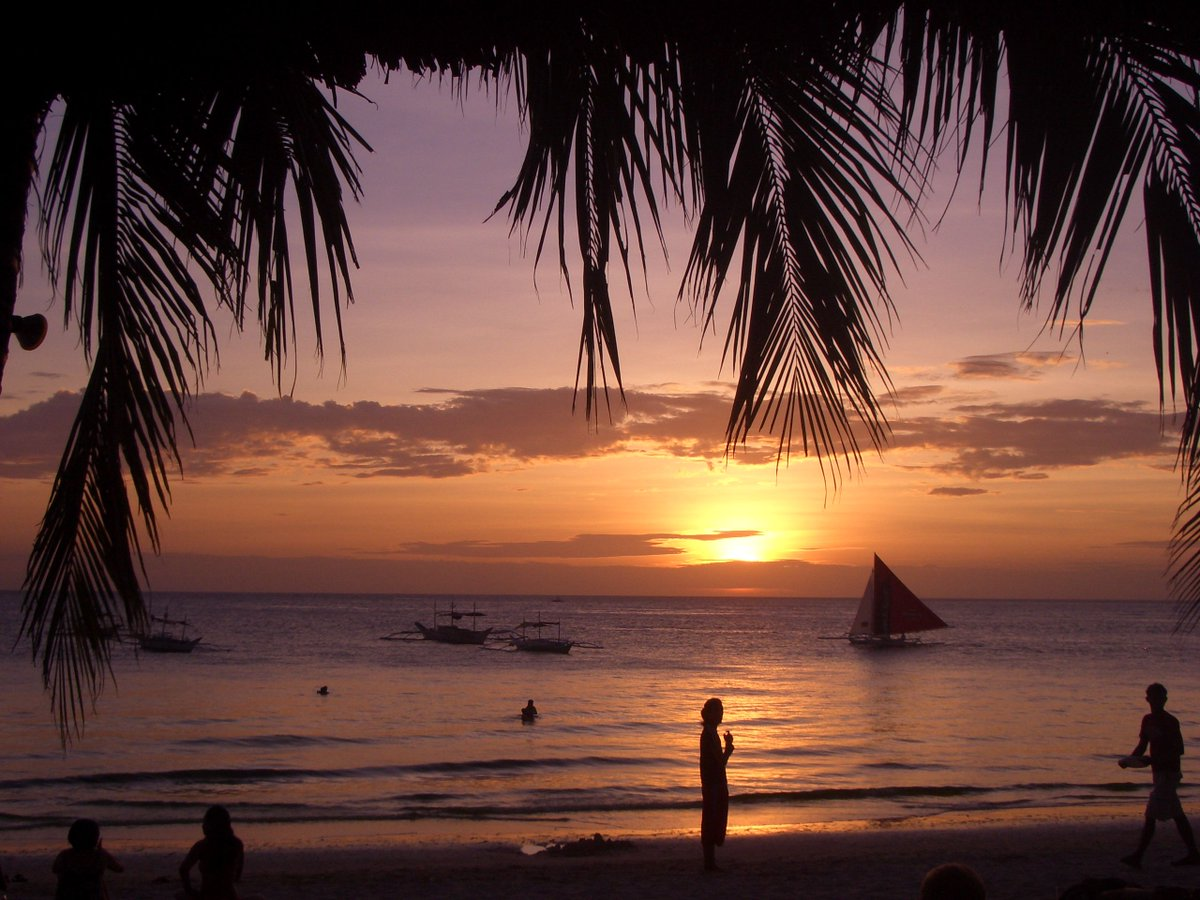 Let&#39;s all gain a bunch of followers with this daily #Travel #FollowTrain!   #RETWEET &amp;amp; #FOLLOWBACK ALL!!!   Photo: Boracay, PH      <br>http://pic.twitter.com/pLn1nK0ugG
