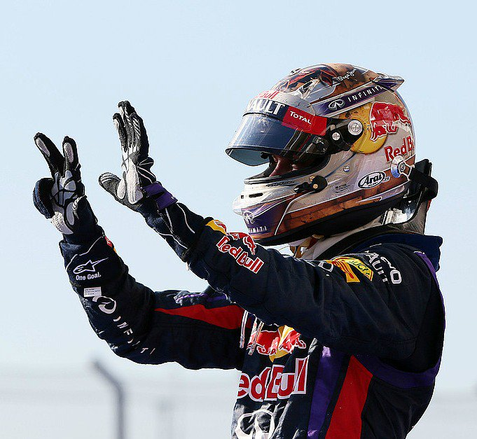 #OnThisDay in 2013, Sebastian Vettel won  the #USGP  - which his record 8th consecutive win of that season   He also started from pole position &amp; set the fastest lap  <br>http://pic.twitter.com/qeRQx4yxVf