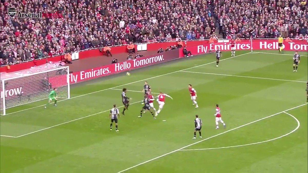 🗓 #OnThisDay in 2012... 🔴 Arsenal 5-2 Tottenham 🔵 ⚽️ 24 - @Mertesacker ⚽️ 42 - @Podolski10 ⚽️ 45 - @_OlivierGiroud_ ⚽️ 60 - @19SCazorla ⚽️ 90 - @TheoWalcott