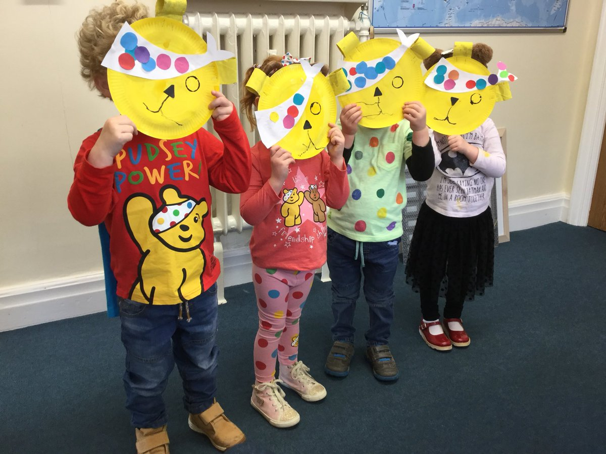 I've just been visited by four Pudsey Bears from @RomileyPS Nursery - how fantastic they look. #childreninneed2017