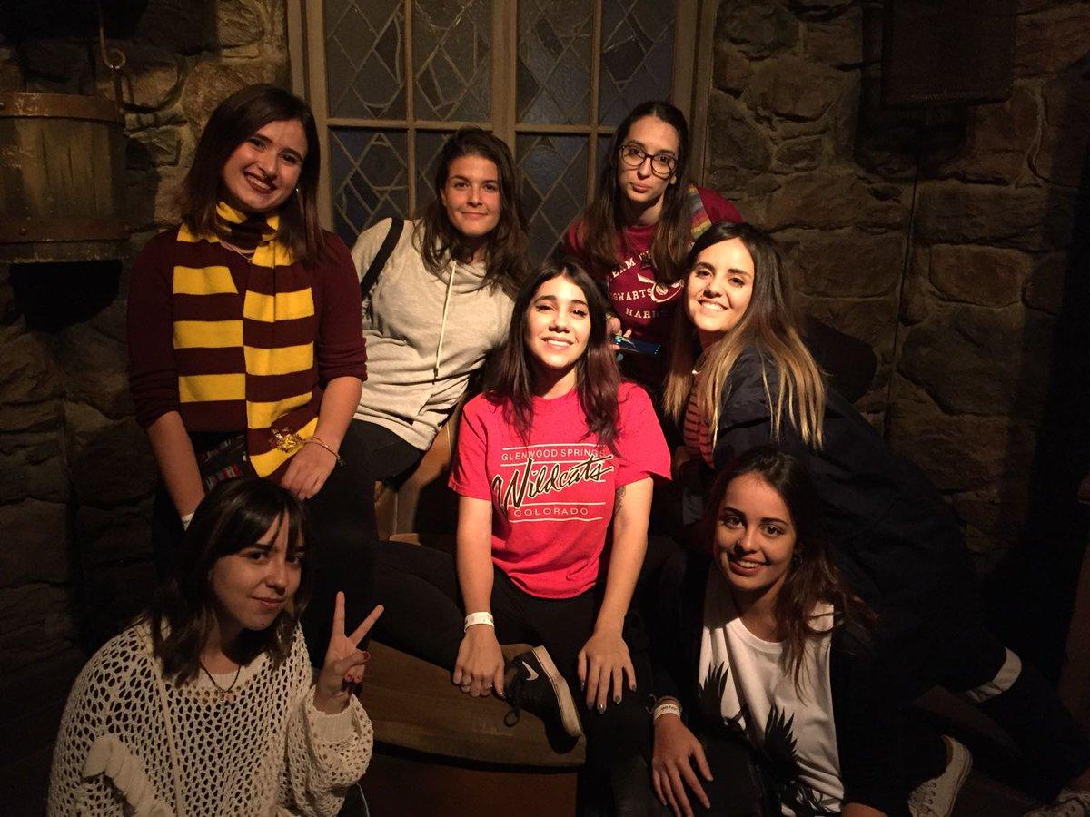 Friends version Hagrid (@SusanaMislu ) h...