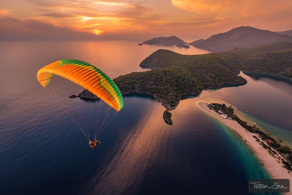 Sunset Flying with Ali Yesil (c)  http://www. TristanShu.com  &nbsp;   #Turkey #Oludeniz #Parapente #Paragliding  #Flying #Flash #Elinchrom #sunset<br>http://pic.twitter.com/9YbNfrQ8YA