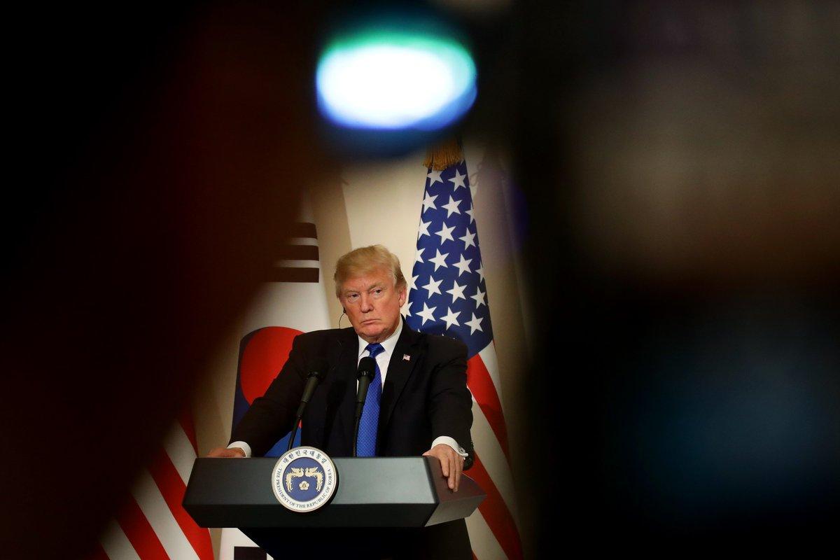 La Corée du Nord veut la peau de Trump pour avoir traité Kim Jong-un de « petit gros ». Dans la suite des épisodes Kim Jong-un/Trump... 👉  https://t.co/bL6hVBSt2F