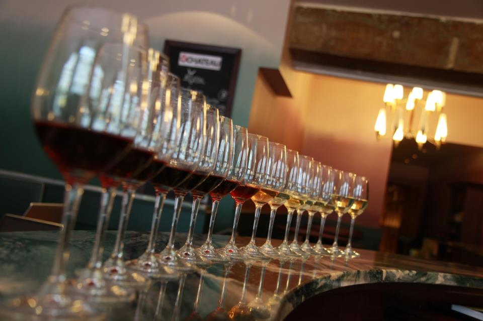 If it's cold and raining outside, why not head indoors and indulge in a tipple or two with a Les Caves du Louvre wine tasting! https://t.co/gyBEgR5PnS https://t.co/DW1Yre23tG
