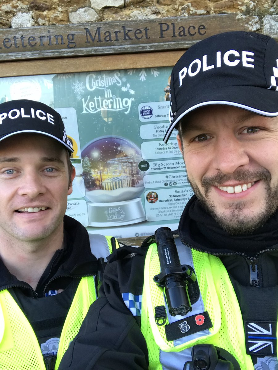 Good morning all. Sgt Scott Little &amp; I are having our catch up on the move in #Kettering town centre.   #Neighbourhoods #Visibility #Thisiskettering<br>http://pic.twitter.com/Wov5zfcNTy