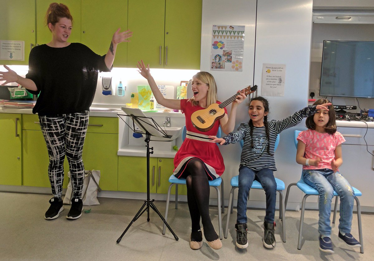 THANK YOU to #CiN  for supporting #VocalBeats on Rose Ward @RBandH working with children during hospital stays, with #singing #beatboxing &amp; #musicmaking   &quot;Music makes such a difference to patients &amp; parents! It really picks them up when their days can be very stressful&quot; - Nurse<br>http://pic.twitter.com/79i5ds5bhL