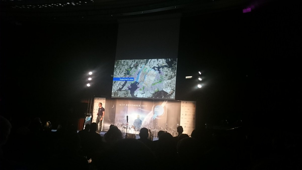 .@franksalzgeber @Space4Europe talking about &quot;superman&#39;s view&quot; of #spacedata from satellites using @ESA_EO @CopernicusData #NewSpaceEurope<br>http://pic.twitter.com/j5bPKJJiSr