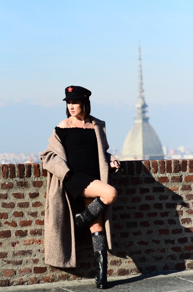 Welcome in #Turin #fashionblogger #robertacenci #shoes<br>http://pic.twitter.com/Rdleqk0GqZ