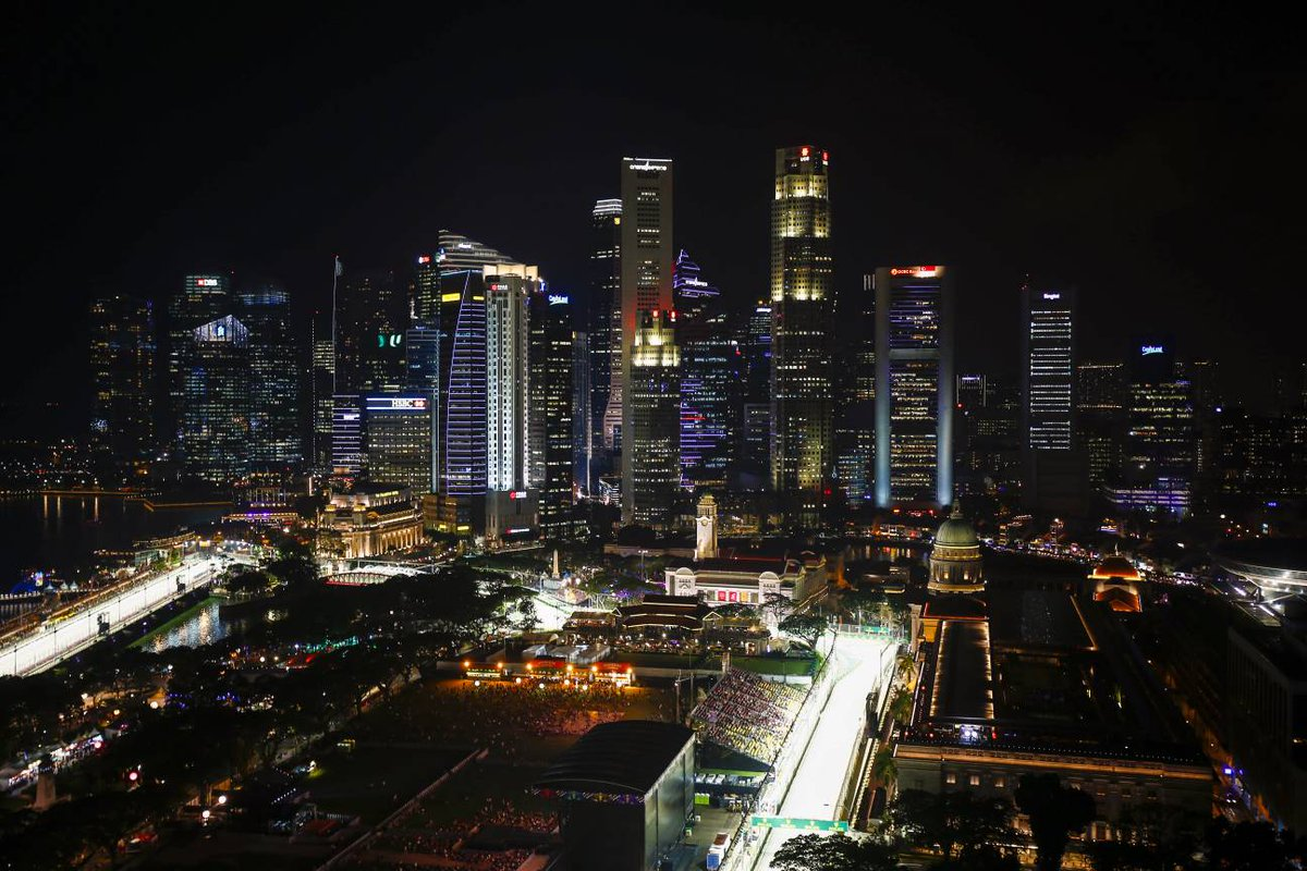 #throwback to when #F1 lit up the streets of Singapore 2 months ago – see you at the 2018 #SingaporeGP next September!<br>http://pic.twitter.com/qLExXV80yA