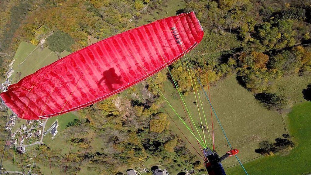 Test de la mini-voile SOL Attak par Above The Pines  http:// bit.ly/2zbZ3yZ  &nbsp;   #parapente #paragliding #rocktheoutdoor<br>http://pic.twitter.com/7DBaa12p3u