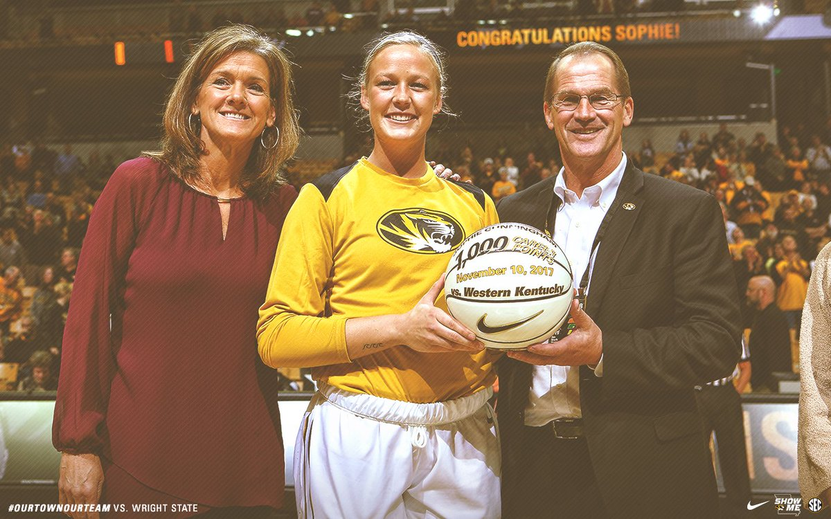 ICYMI: @sophaller was honored last night for joining #Mizzou&#39;s 1,000-point club!  #MIZ #OurTownOurTeam <br>http://pic.twitter.com/MM1QedpNuO