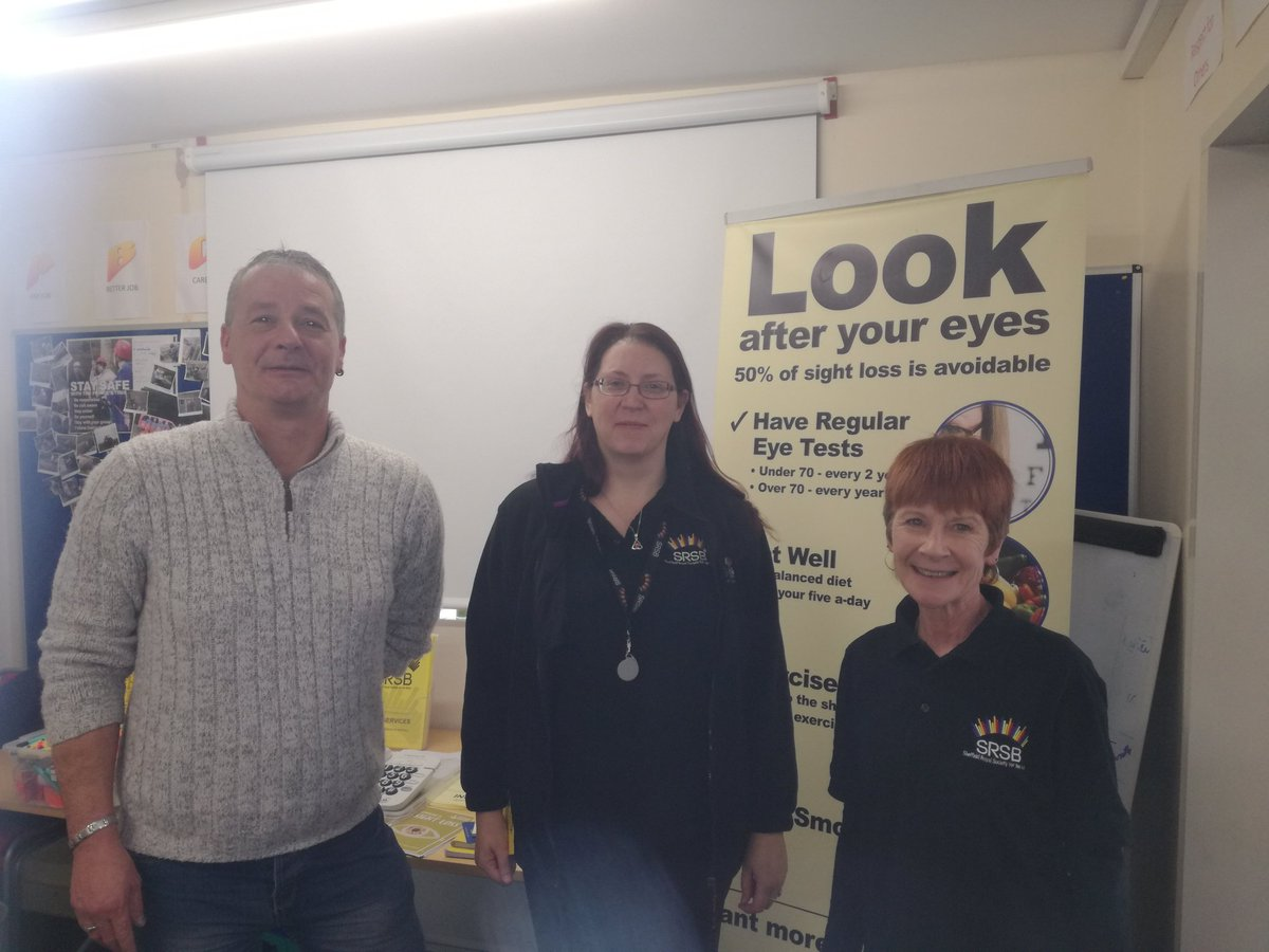 Big thanks to @SRSBCharity for taking the time to help our @SYFR @syptweet @PrincesTrust #sheffieldissuper team 1 raising awareness of visual impairment @pbnewman<br>http://pic.twitter.com/H5oR7Iz94q