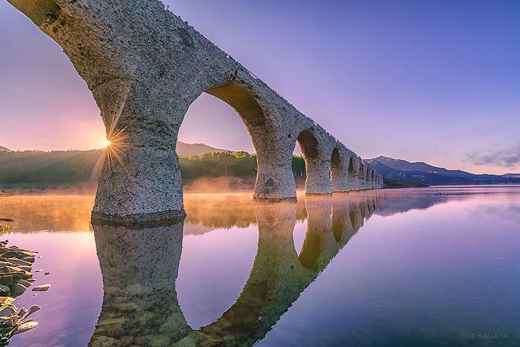 幻の橋の朝。(過去の写真より。北海道にて撮影) 今週もお疲れさまでした。おだやかな週末になりますように。