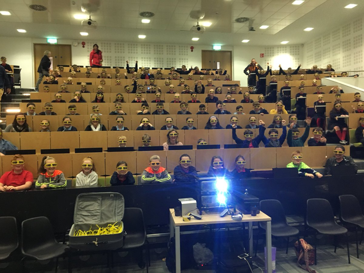 Another Full House for the 3rd 3D Space Show today @ul @LimkFestival #ScienceWeek2017 #StopAndAsk #StudyAtUL @scienceirel @ScienceWeek<br>http://pic.twitter.com/y99NY7478Z