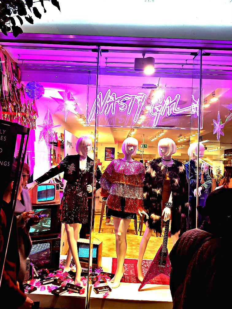 Been to the @NastyGal  #PopUp shop in @CarnabyLondon  yet? Treat yourself to an early #Christmas gift, buy something for a loved one or attend one of the fun events. Read all about it on my post  https:// goo.gl/T2Pk9Y  &nbsp;   Have fun! #nastygalsdoitbetter #fashion #fblogger #lblogger<br>http://pic.twitter.com/oqnDSBnBGe