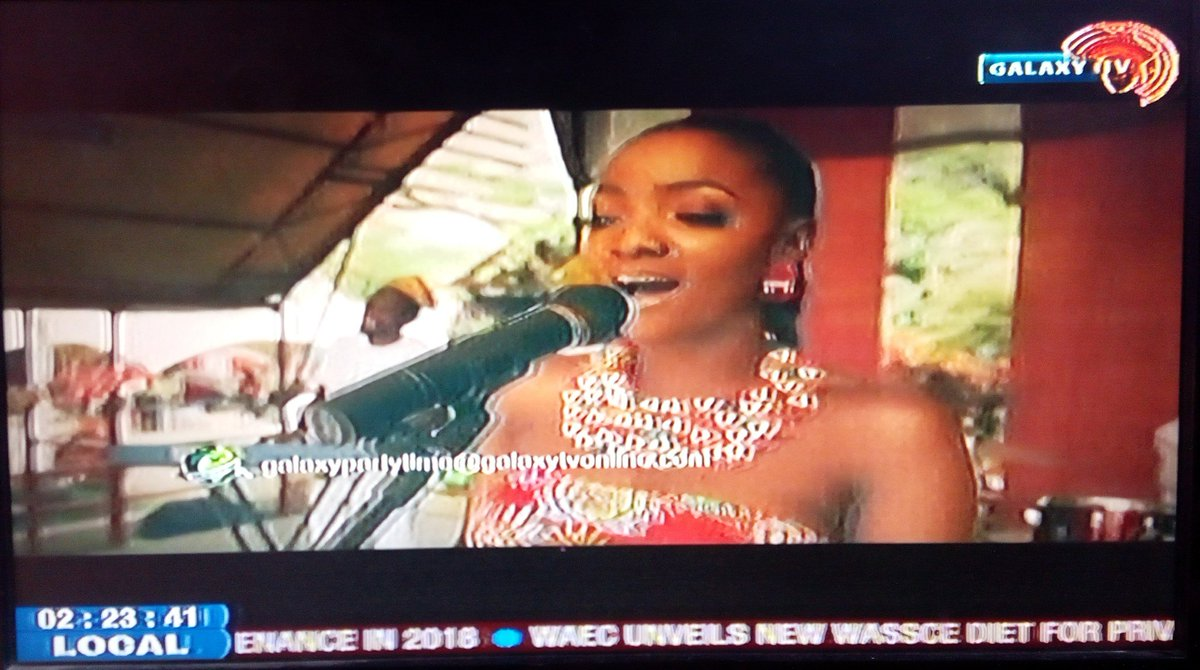 @SympLySimi Owambe on the  #Fridaypartymix  with OAP @EMMY_FLY #simi <br>http://pic.twitter.com/qLrOW6TSc1