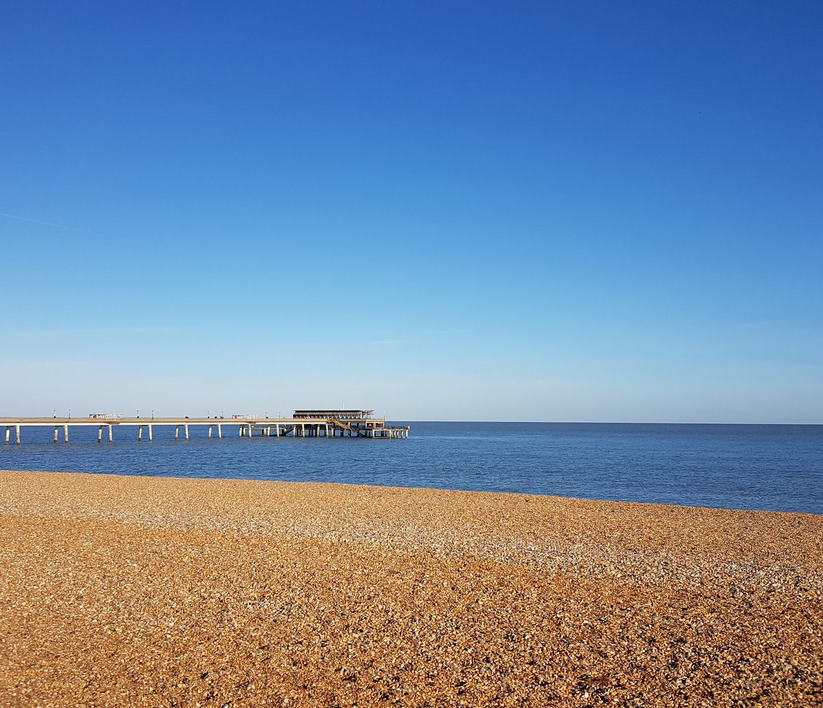 Another magnificent day on the Kentish Riviera @Deal_Town. #Beach #sea #coast @coastmag .<br>http://pic.twitter.com/8pwx0ByJxu