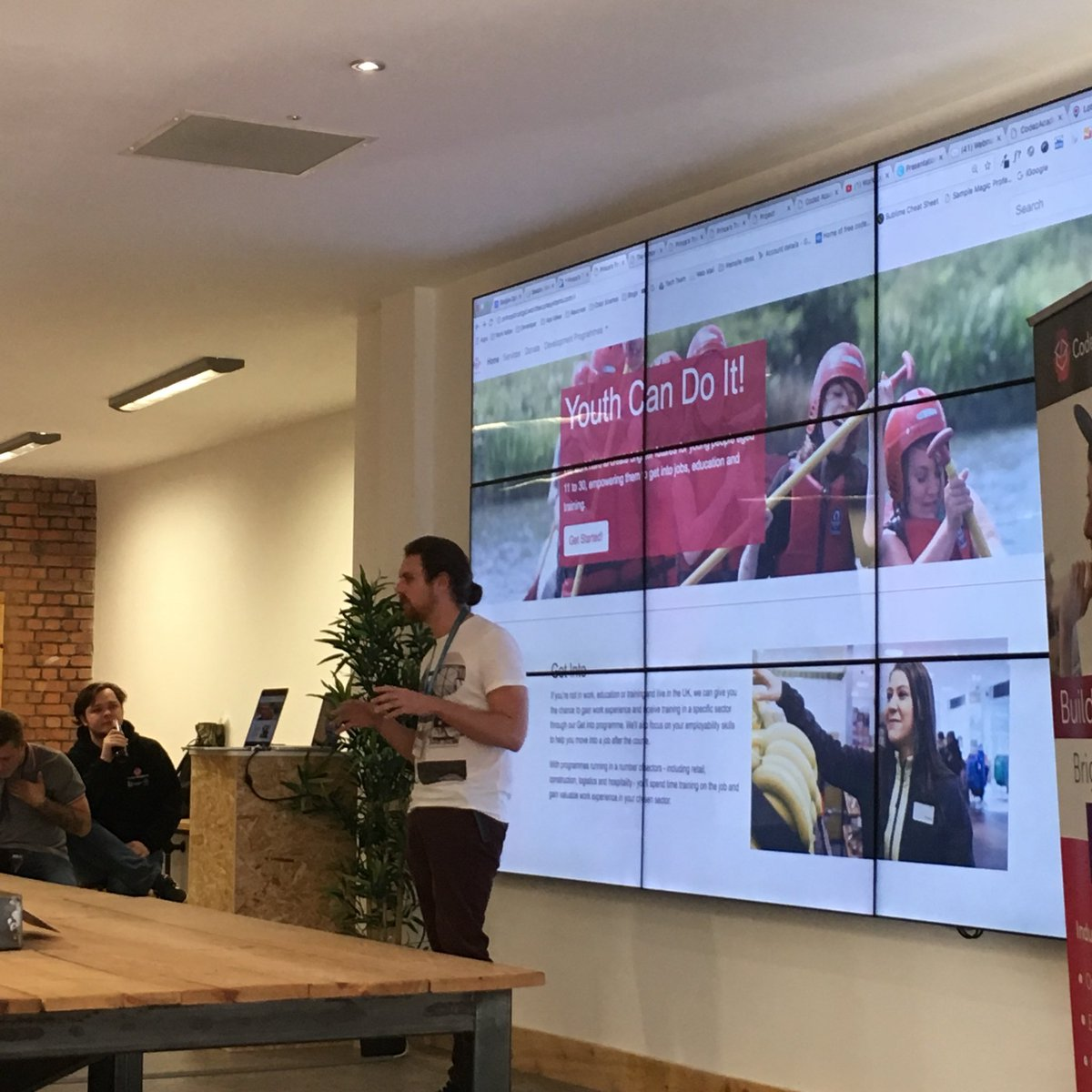 #GetintoDigital showcase @PrincesTrustWal @CodezAcademy @BigLearningCo - Dean walking us through what our amazing group have developed #coding #film #web Thanks to support from @Nominet<br>http://pic.twitter.com/ePeRVNclcm