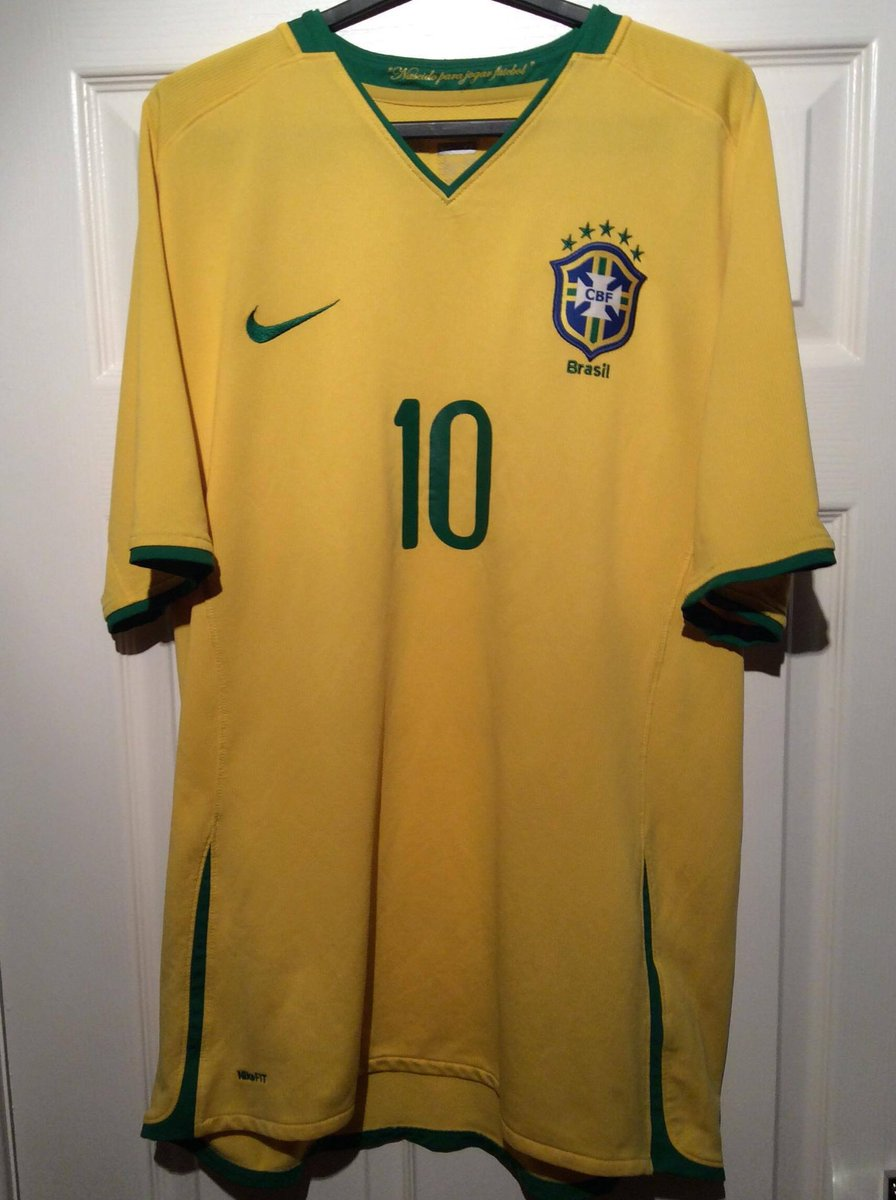 LIKE, RT &amp; FOLLOW to #Win this #Brazil shirt from 2008-2010!   Winner announced Fri 24 Nov!  #FreebieFriday #Free #Football #RTtoWin #Competition <br>http://pic.twitter.com/fZKgk69WDG
