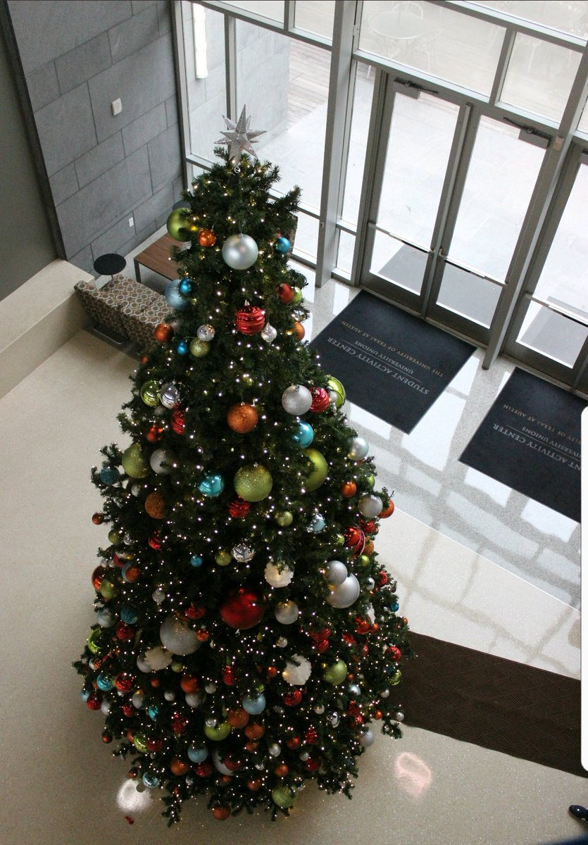 The #SAC is in full Holiday Spirit mode! Tap for a surprise <br>http://pic.twitter.com/lCQPkJs0Uj
