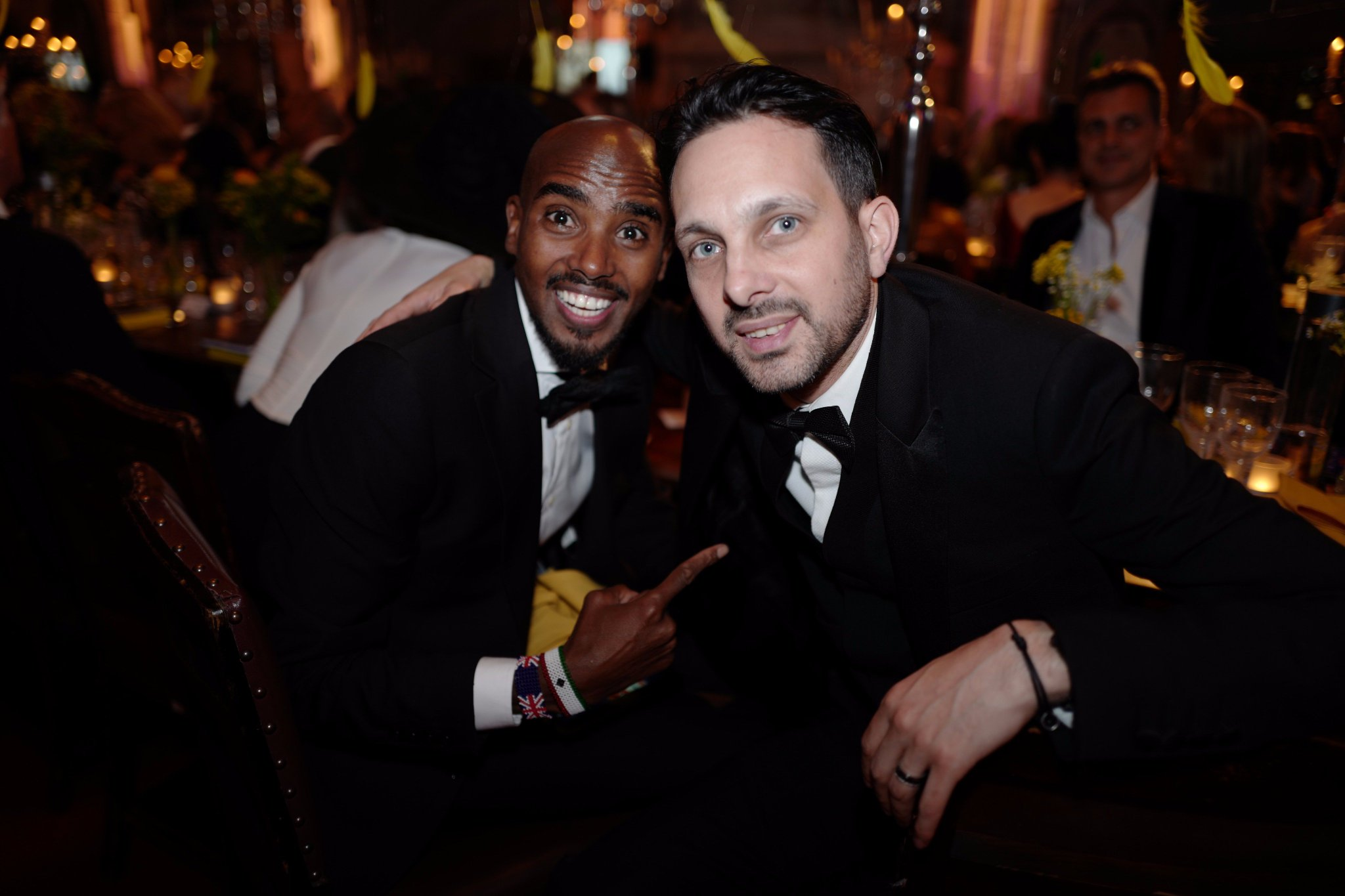 RT @Dynamomagician: Great evening with the legendary SIR Mo Farah at the Save The Children Winter Gala. https://t.co/yVLLP8WDB6