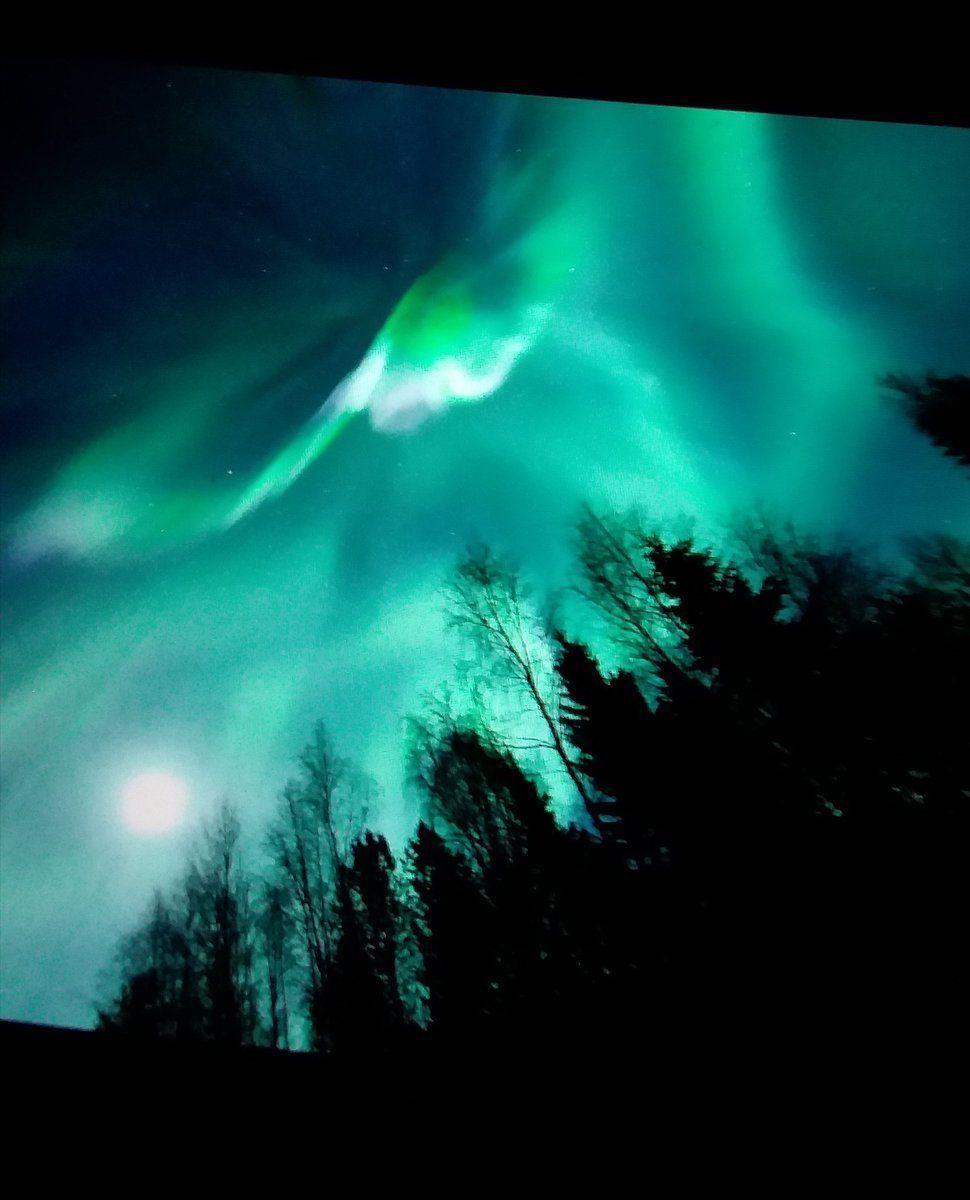 Aurora borealis.. Oulu, Finland  on November 7th. Thanks to Thomas Kast @ThomasKast1 #Northernlights #StormHour<br>http://pic.twitter.com/B0MJgiEbKu