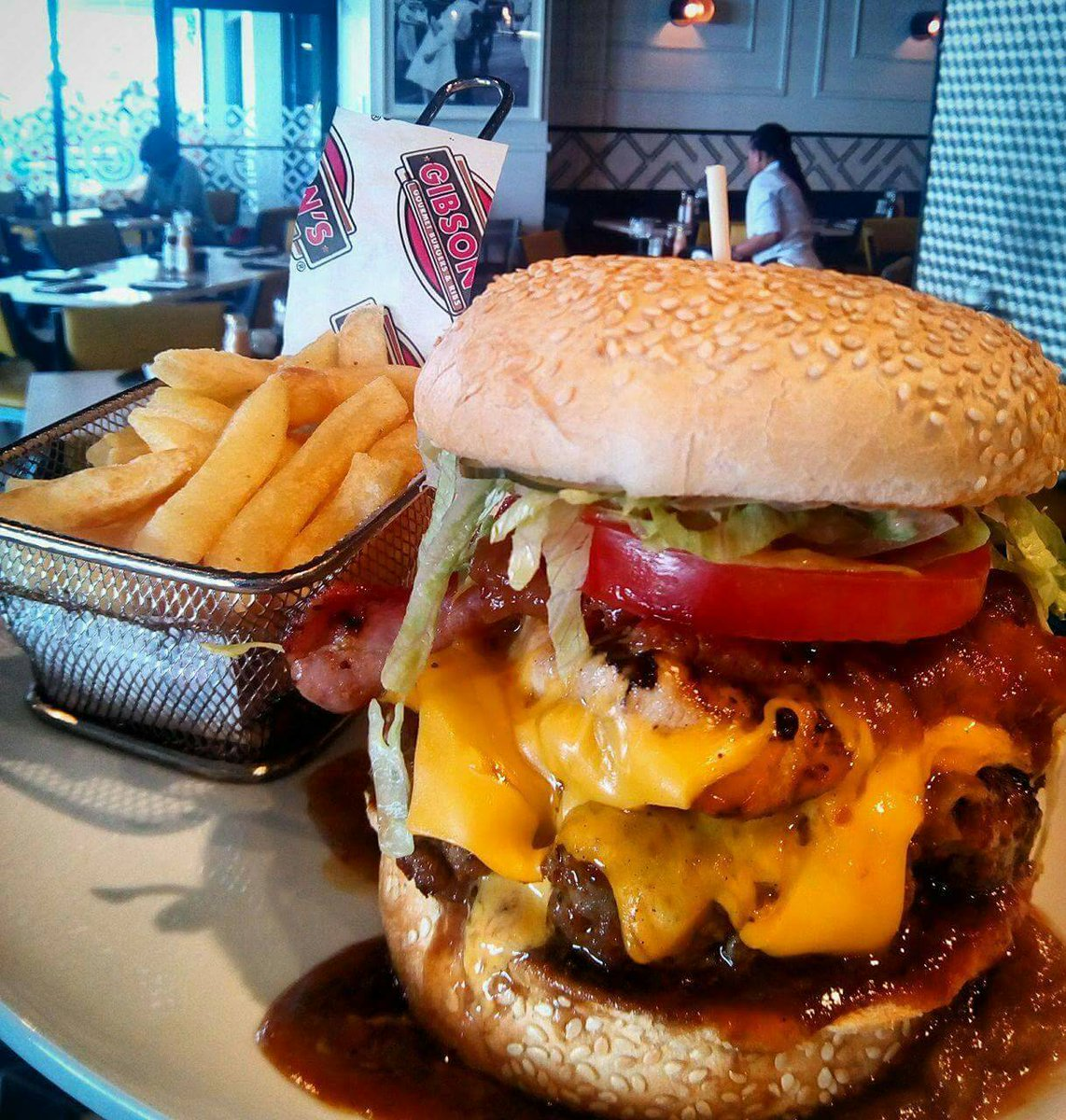 ....and we are DONE with tonight&#39;s #ComfortFood chat!! Thank you ALL for your tweets and tags...join us NEXT Friday same time for another #GlobalFoodChatstand by for tonight&#39;s #Twitter stats!  #food #travel #CapeTown #FridayFeels<br>http://pic.twitter.com/mMzhhOLs2G