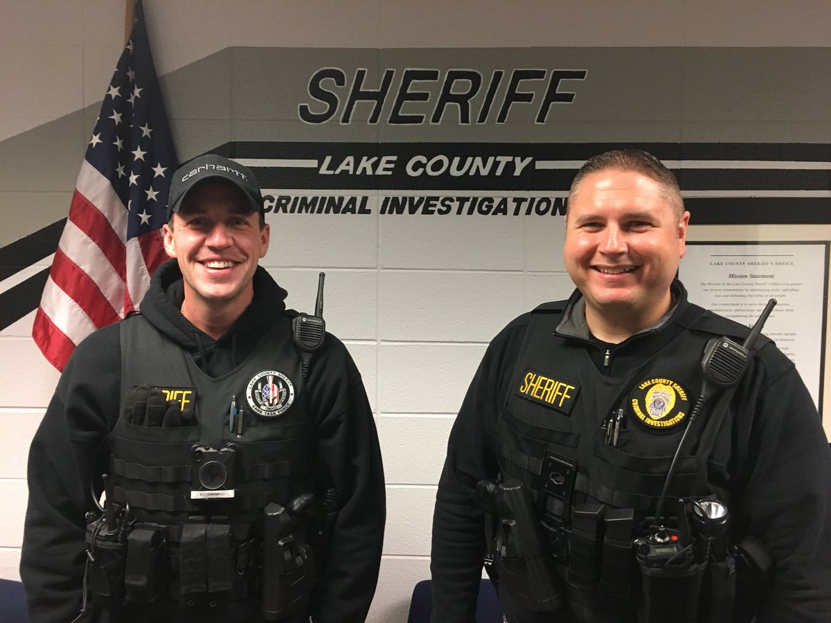Tonight you'll be #Live with Detective Mike Nudi and Detective Matt Harmon on @OfficialLivePD! #FunFact: Det Harmon and Det Nudi have been friends for nearly 15 years, they were friends before getting into law enforcement!   See you tonight on #LivePD in just 2 short hours!!<br>http://pic.twitter.com/HdytHqN27r